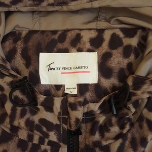 Two by Vince Camuto Leopard Vest size Large